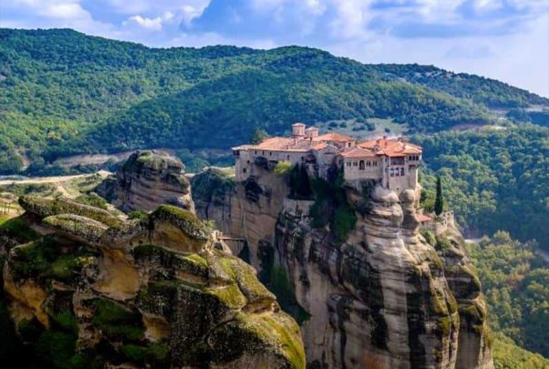 Meteora Sightseeing Tour | Sightseeing Tour in Meteora - Minibus Athens
